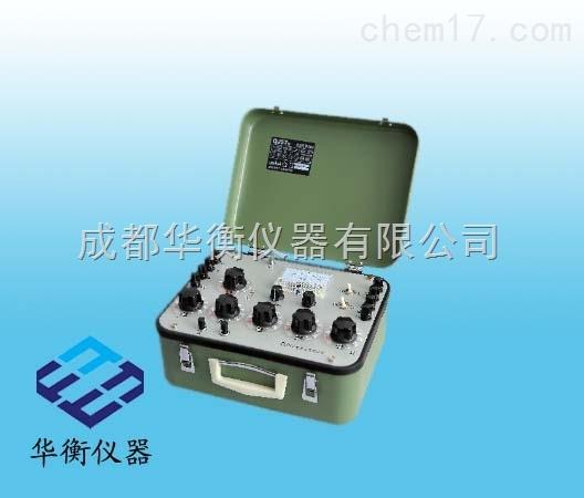 QJ57P-1型直流电阻电桥具有五个十进式测量读数盘,全量程由七个分量限组成,并内附电源与指零仪,故不需任何其他附件即可投入测量工作,适合实验室、车间生产线或野外工地,高精度测量直流中值和低值电阻,体积小巧,使用简便。 QJ57P-1型具有交直流二用,在市电的情况下,可选择直流双臂电桥AC/DC电源,省却电池的经常更换。 一、主要技术特性: 测量范围: 0.