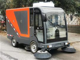 2380四轮电动驾驶式扫地车