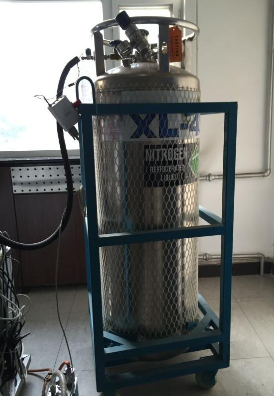 液氮罐保护架
