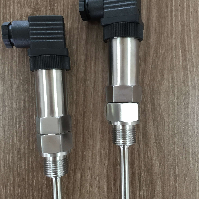 温度传感器(图2) 一般测量精度较高。在一定的测温范围内,温度计也可测量物体内部的温度分布。但对于运动体、小目标或热容量很小的对象则会产生较大的测量误差,常用的温度计有双金属温度计、玻璃液体温度计、压力式温度计、电阻温度计、热敏电阻和温差电偶等。它们广泛应用于工业、农业、商业等部门。在日常生活中人们也常常使用这些温度计。随着低温技术在国防工程、空间技术、冶金、电子、食品、医药和石油化工等部门的广泛应用和超导技术的研究,测量120K以下温度的低温温度计得到了发展,如低温气体温度计、蒸汽压温度计、声学温度计、